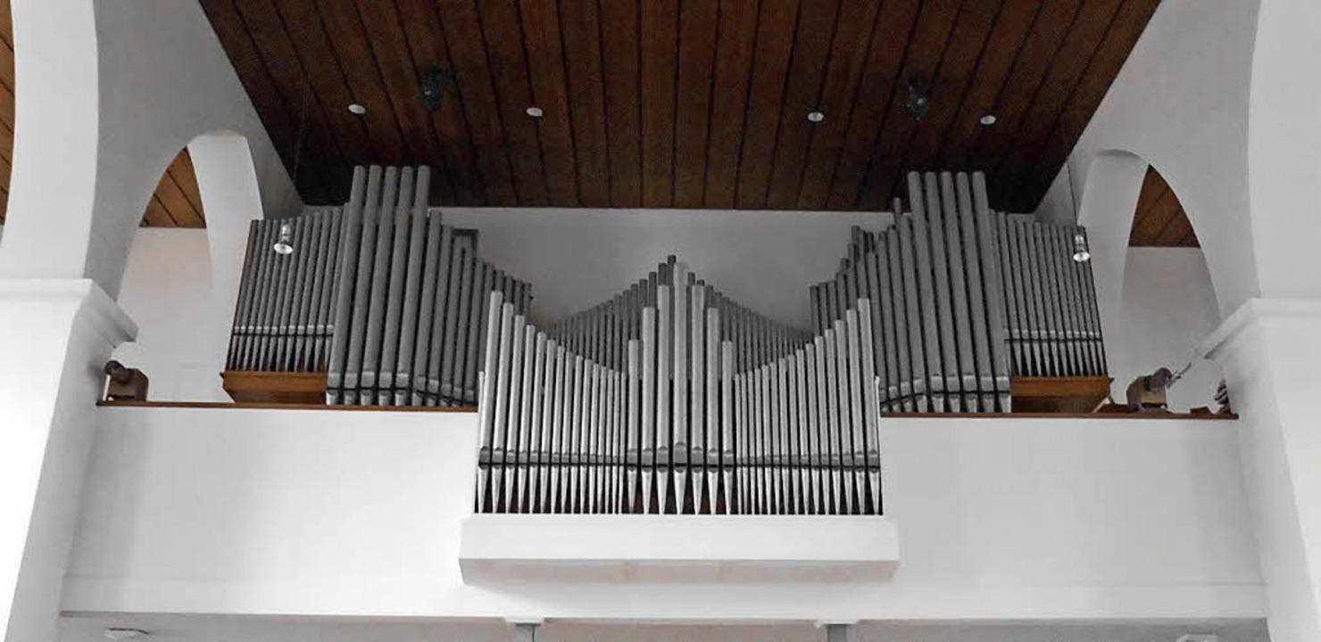 Die Orgel in der katholischen Kirche St. Peter und Paul   | Foto: Scholaster