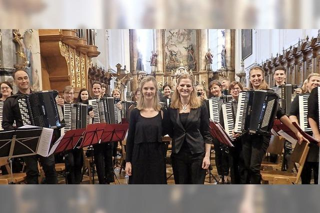 Das Akkordeon klingt auch in der Barockkirche gut