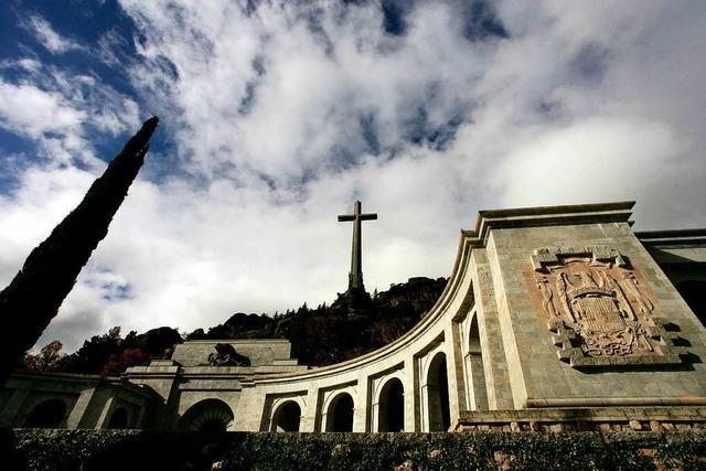 Spaniens neue Regierung will Franco aus seinem Grab holen