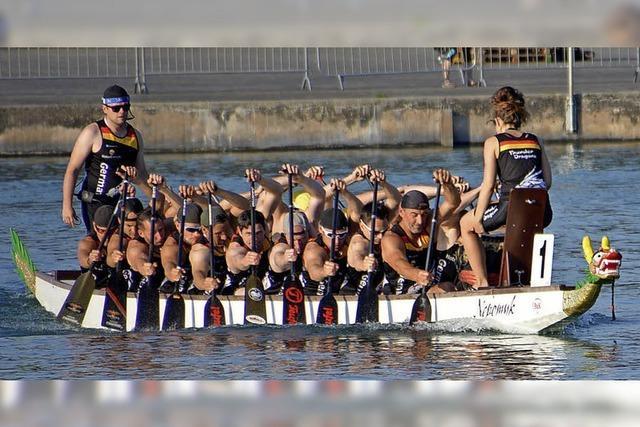 Drachenboot-Team der Hochrhein-Paddler holt drei Titel