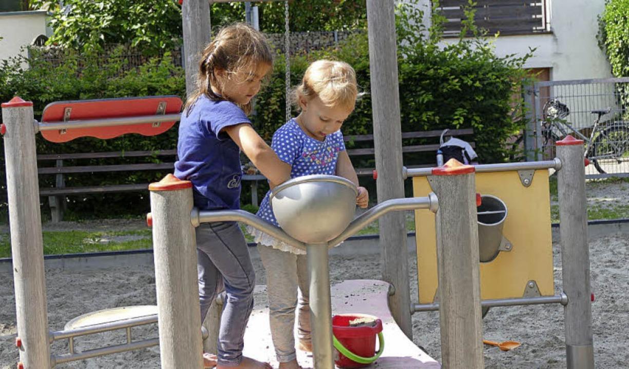 Freude bereitet die Sandspielanlage am Kastanienplatz.  | Foto: F.Riepl