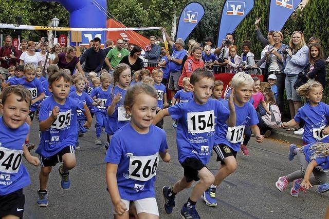 Junge Läufer in Topform