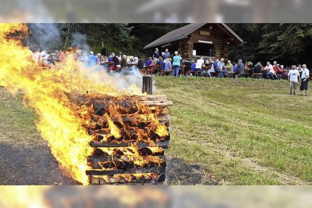 Feuer und Flamme für die Sonnwendfeier