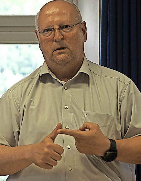 Thomas Drechsel stand im Gemeinderat Rede und Antwort.   | Foto: vwe