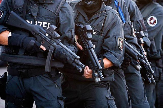 Polizei entdeckt Waffen bei Hausdurchsuchung in Lahr