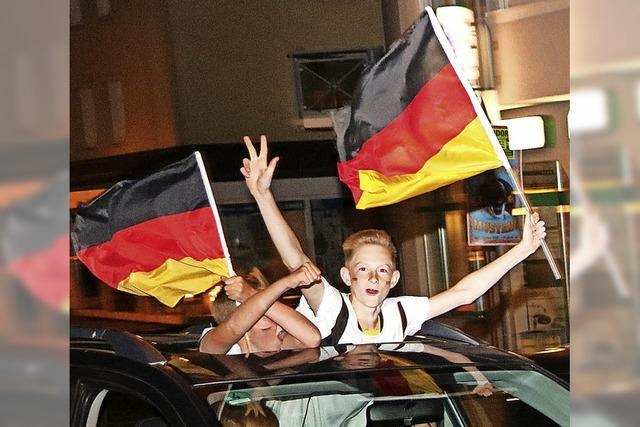 Fans feiern den ersten Sieg