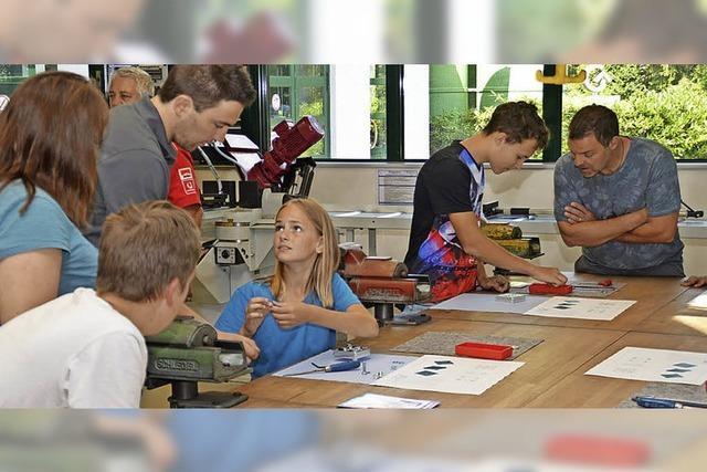 Jugendliche beweisen Handwerk-Talent