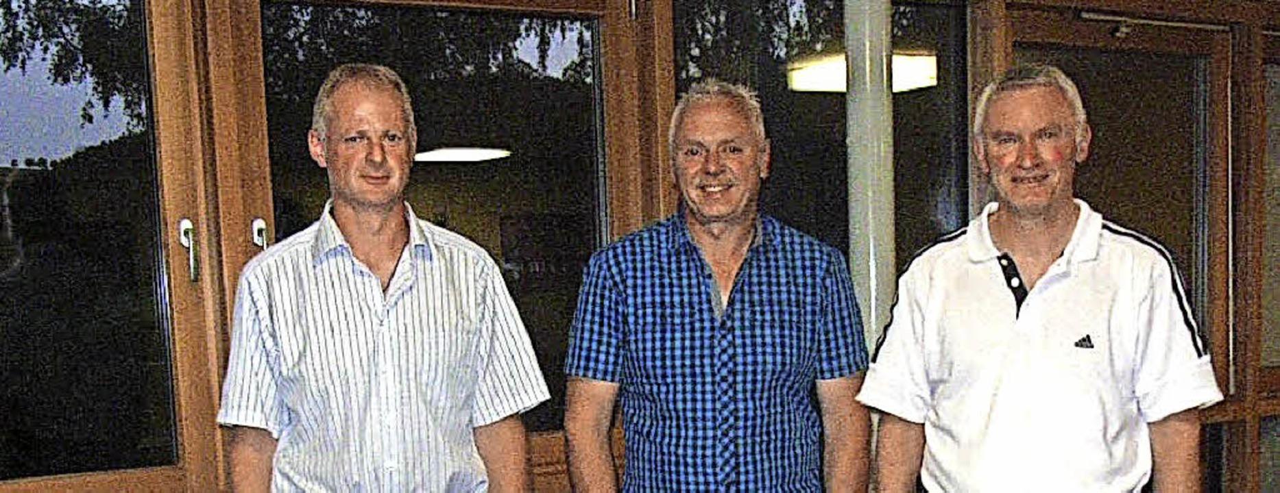 Verabschiedete Gründungsmitglieder (vo...in und Berthold Meier (Schriftführer)   | Foto: Verein