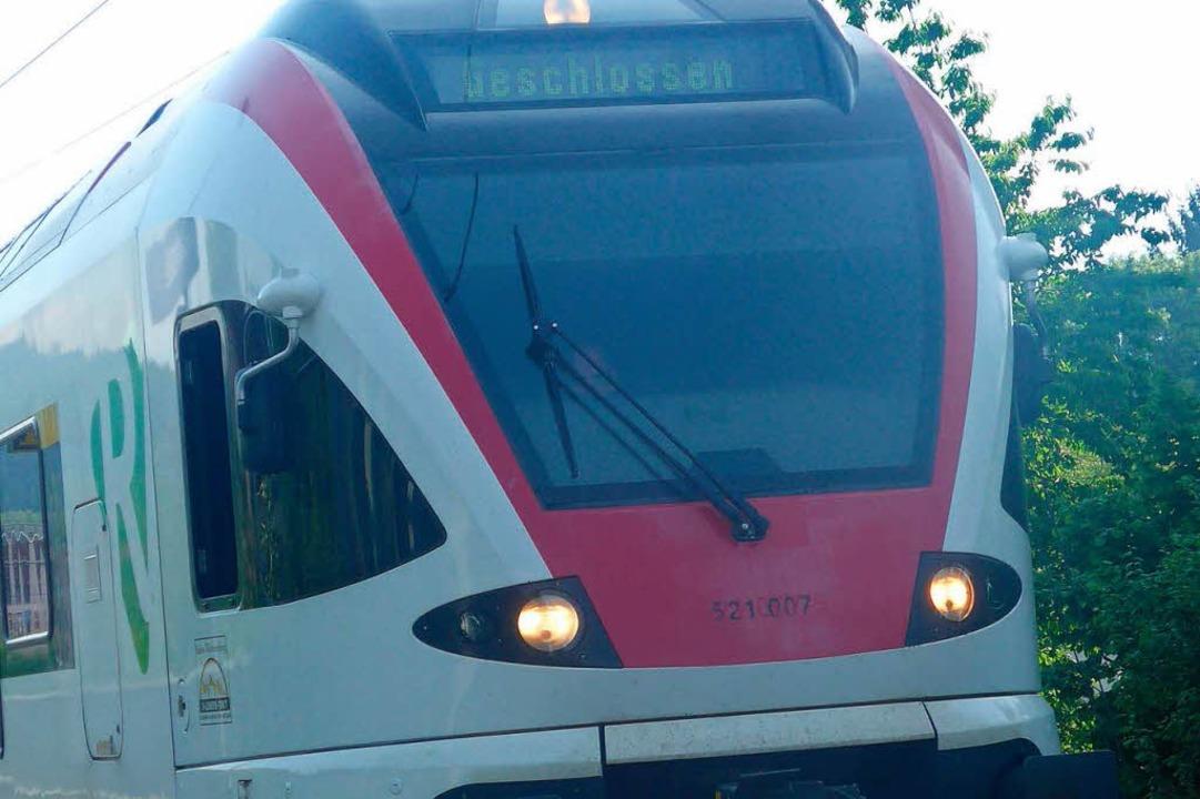 In der S6 sollen Mädchen eine Passagierin angegriffen haben (Symbolbild).    Foto: Daniel Gramespacher