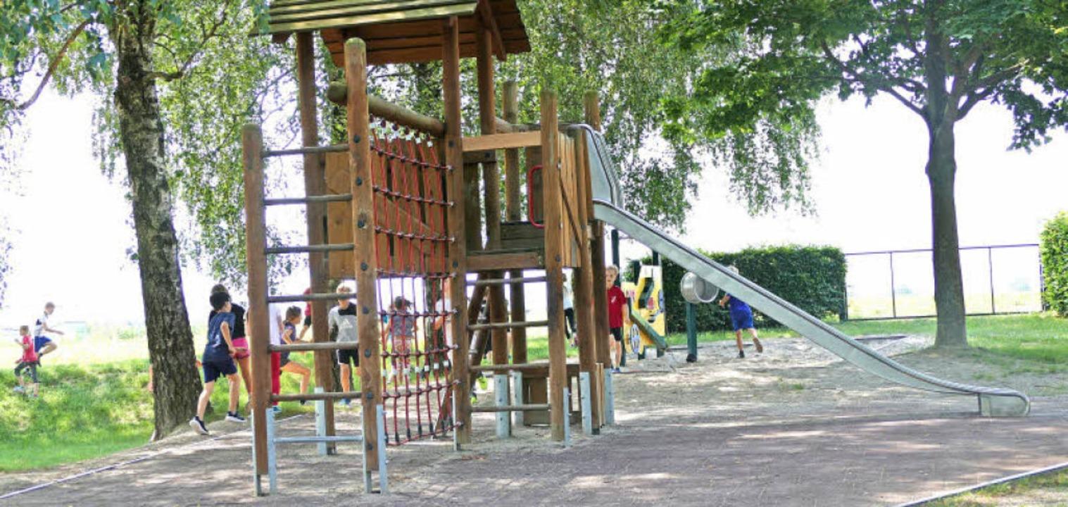 Die Grundschüler nutzen das Gelände un...Spielplatz ist aber offen zugänglich.     Foto: Franziska Riepl