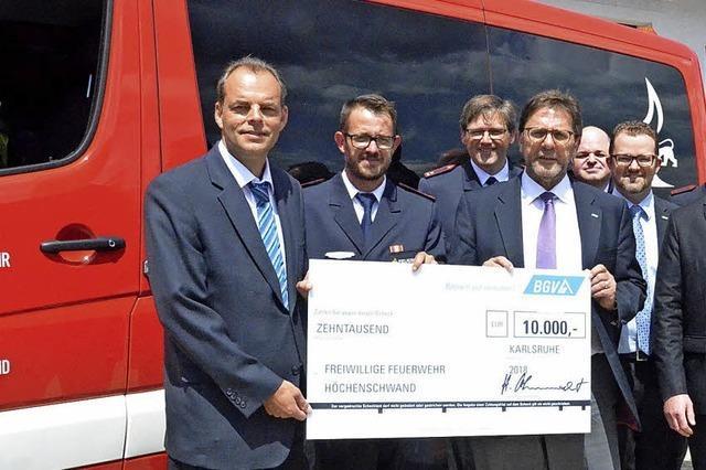 10 000 Euro für die Helfer