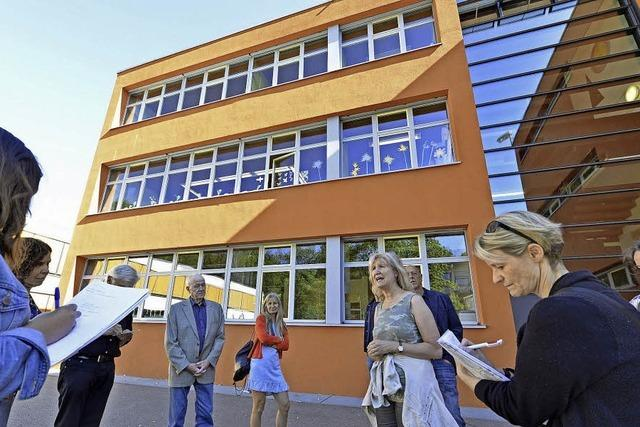 Undichtes Dach, kochende Klassenzimmer: Ein Rundgang durch die Albert-Schweitzer-Schulen in Landwasser