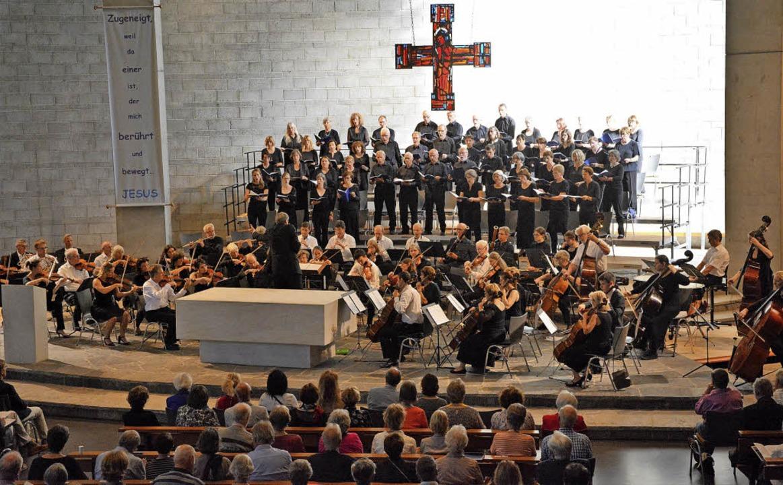 Erstmals gaben der Motettenchor und Oberrheinische gemeinsam ein Konzert.   | Foto: Barbara Ruda