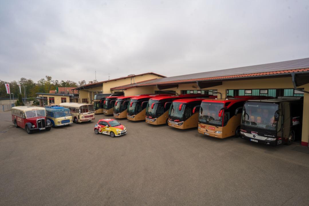 Der Betriebshof von Rast Reisen samt Busflotte  | Foto: Rast Reisen
