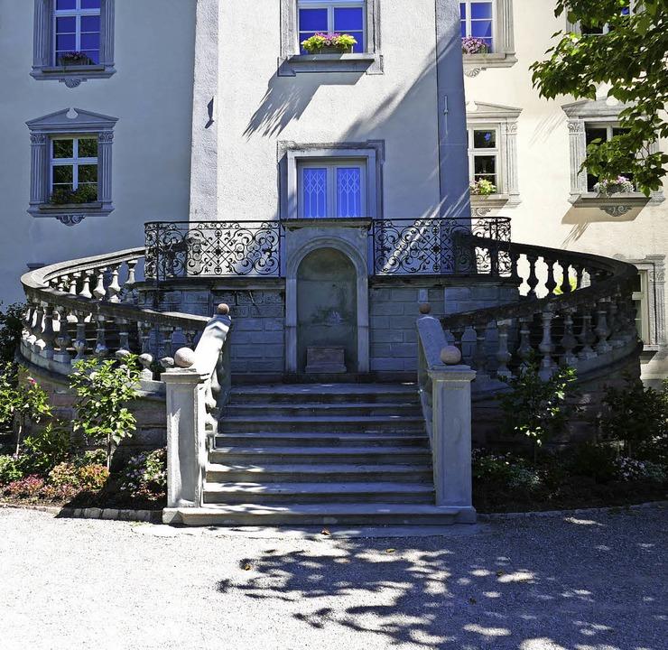 Die Treppe an der Rückseite des Schlos...fällig. Sie wird dieses Jahr saniert.   | Foto: Axel Kremp