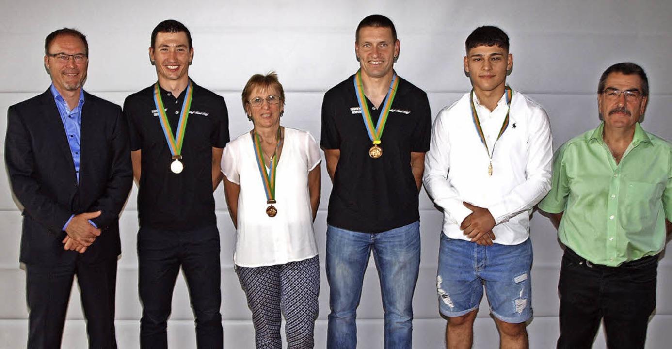 Goldene Auszeichnungen bei der Sportle... Wagner, Berkan Sahin und  Armin Braun    Foto: Michael Haberer