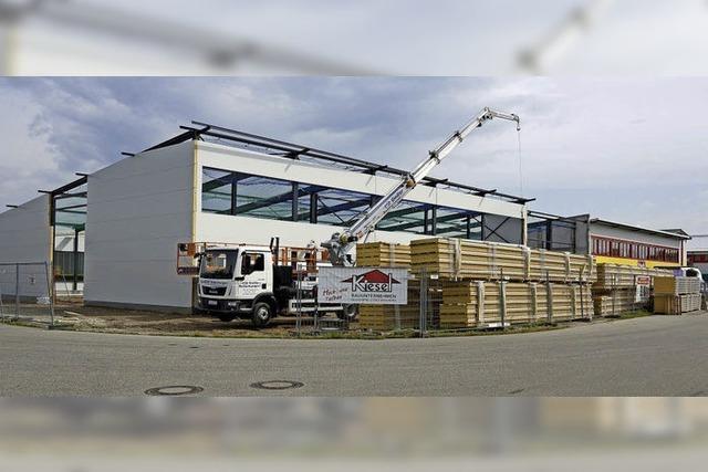 Neue Halle ist im Bau