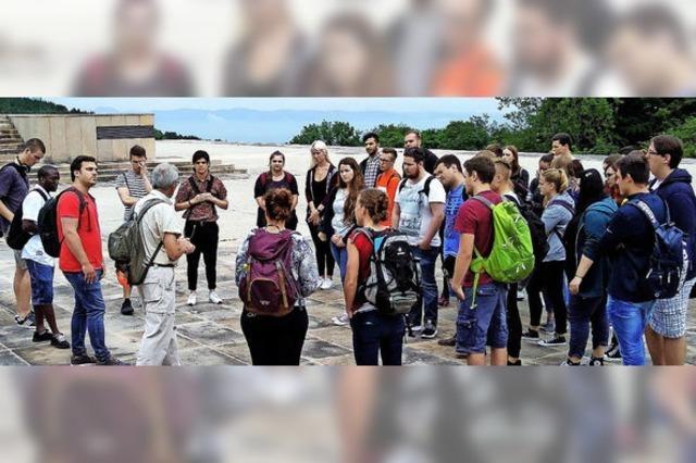 Schüler besuchen Gedenkstätte