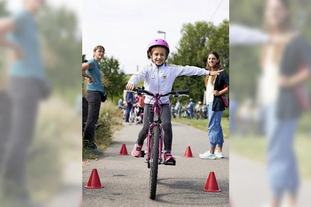 430 Grundschüler lernen das sichere radeln und rollern