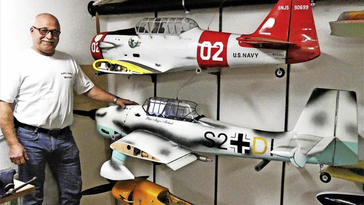 Michael Müller ist Modellbauer und -flieger aus Leidenschaft.     Foto: Jörn Kerckhoff