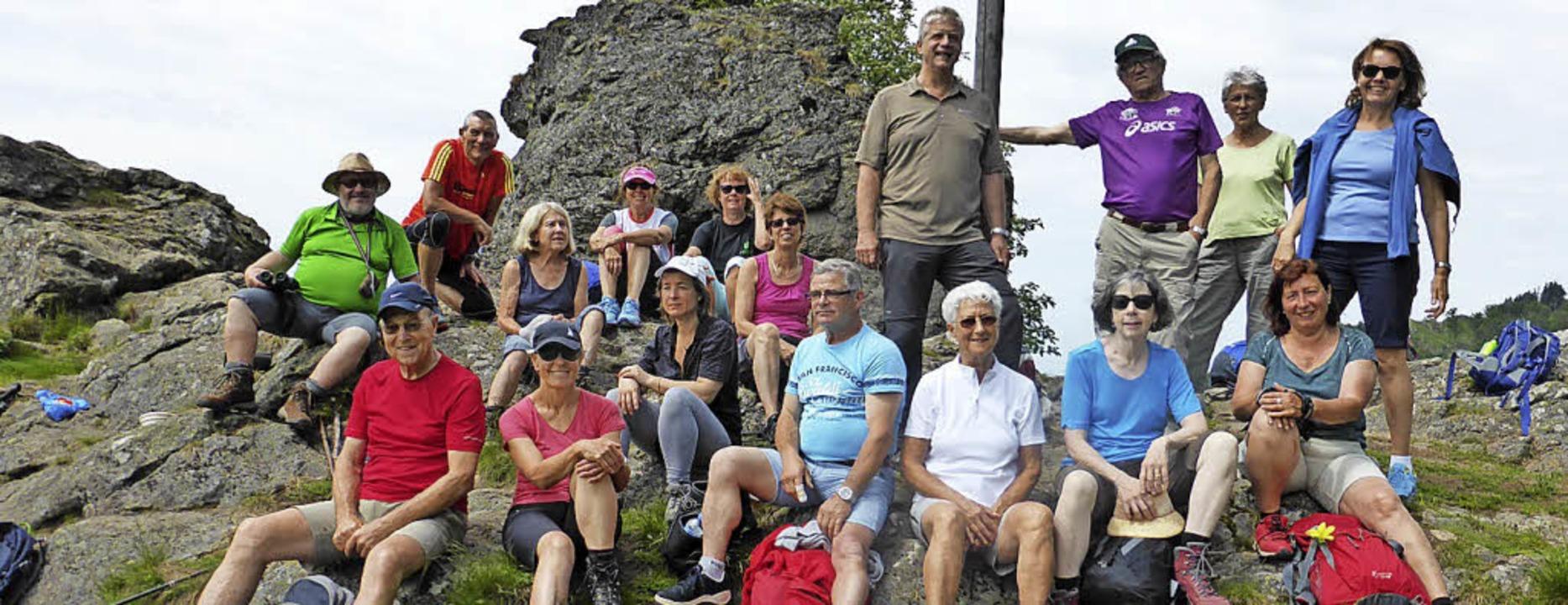 <BZ-FotoAnlauf>Besuch aus Poligny:</BZ...u wanderte mit Gästen aus Frankreich.   | Foto: Privat