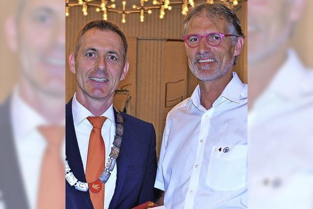 Ehrennadel für Siegfried Burkart