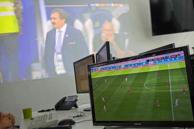 Wie in Freiburger Betrieben heute das Deutschland-Spiel geschaut wird