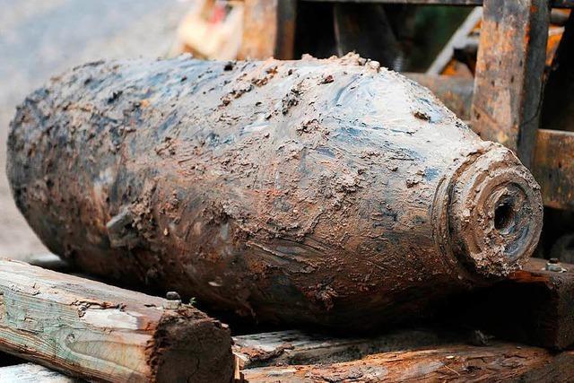 Bauarbeiter finden 500 Kilogramm schwere Fliegerbombe – Bahnhof gesperrt