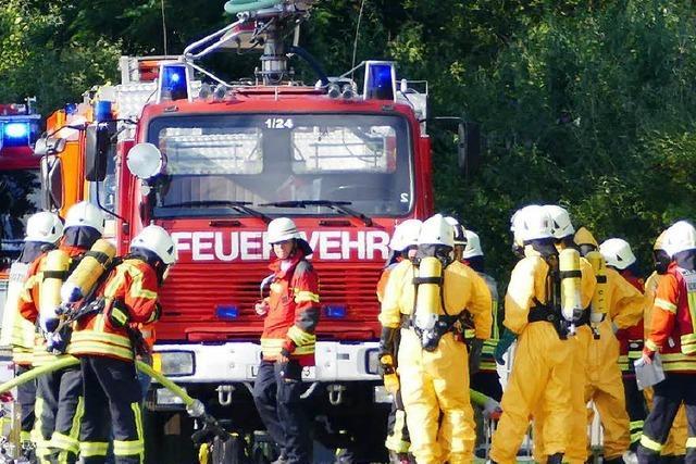 Gefahrgutvorfall am Bahnhof: Ausgetretenes Lösungsmittel war leicht entzündbar