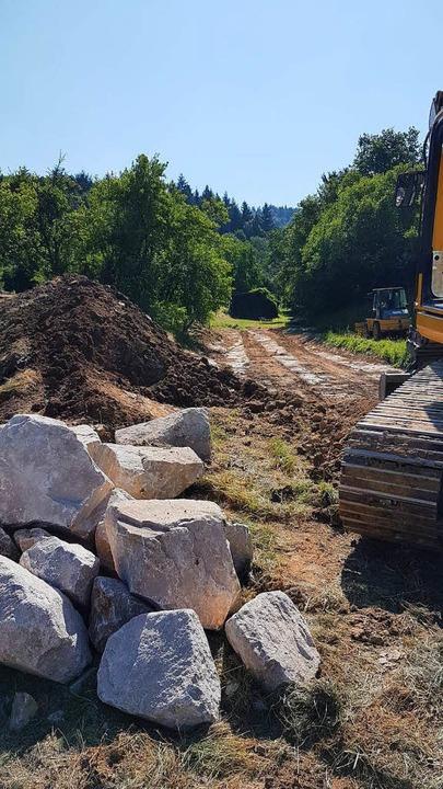 Die Arbeiten für den Hochwasserschutz in Schmieheim haben begonnen.  | Foto: karl Kovacs