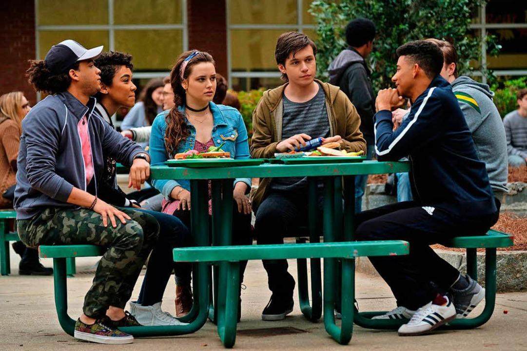 Wie wird unsere Freundschaft, wenn ich... zweiter von rechts) mit seiner Clique  | Foto: Fox
