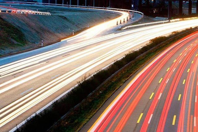 Fahranfängerin wendet auf Anweisung von Navi mitten auf Autobahn