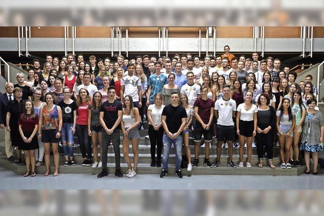 111 Schüler bestehen das Abitur