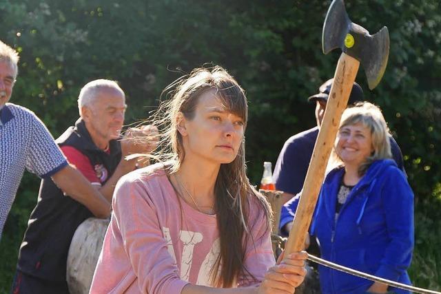 Blutige Anfängerin der Doppelaxtfreunde Rippolingen wird Deutsche Meisterin