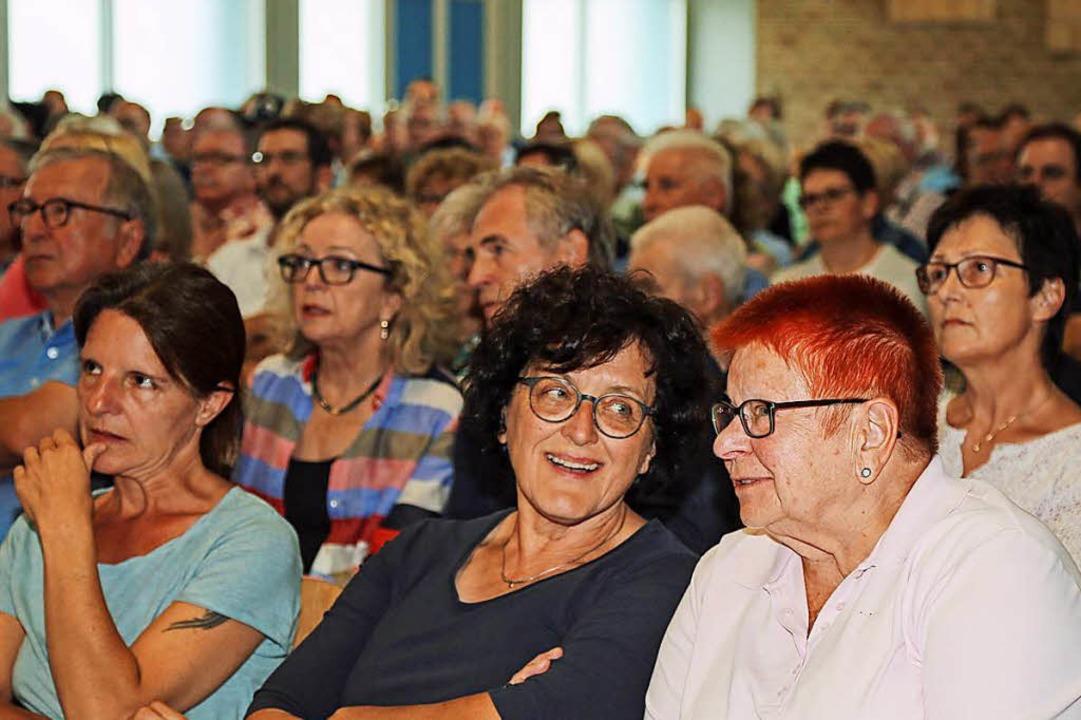 Herzhaft gelacht wurde bei der Info-Ve...eten die Protagonisten auf dem Podium.  | Foto: Sandra Decoux-Kone