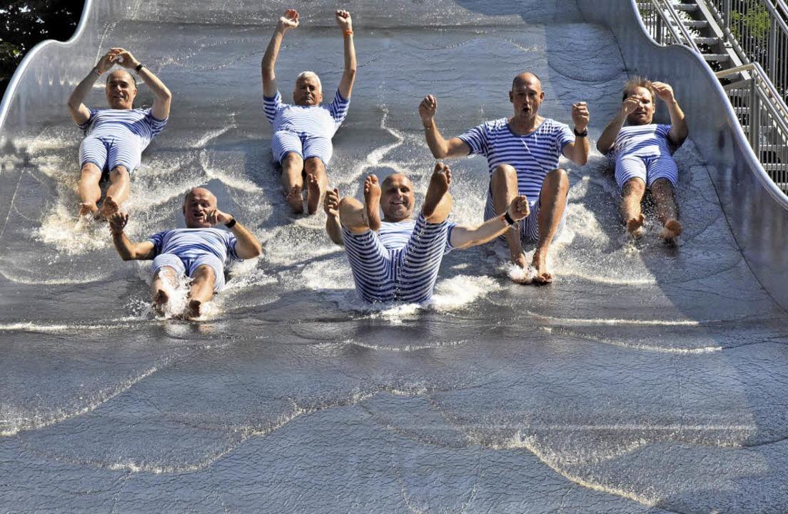Die Wellenrutsche wurde von den Festrednern eröffnet  | Foto: Markus Zimmermann