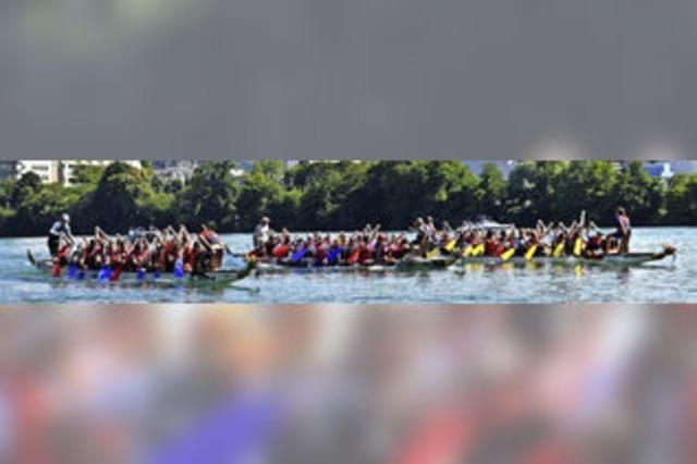 Die Nasenrümpfer Hexen holen den Drachenboot-Pokal