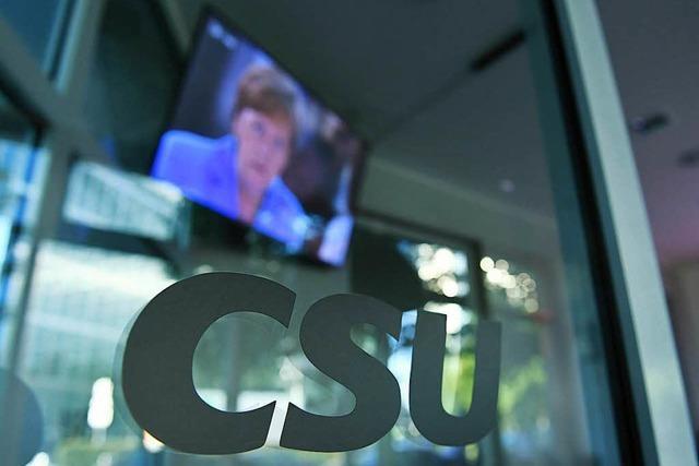 Ein dramatischer Tag in der CSU-Zentrale endete mit Seehofers Rücktrittsangebot