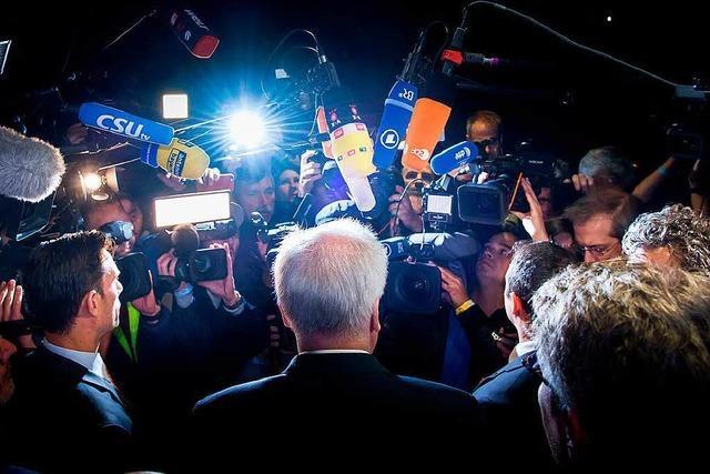 Seehofer tritt doch noch nicht zurück – Letzter Einigungsversuch in der Union geplant