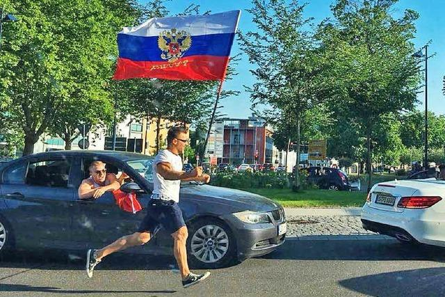 Fußballfans feiern landesweit WM-Siege mit Autokorsos