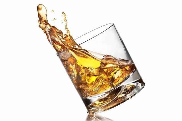Flasche Whisky für 1000 Euro geschmuggelt