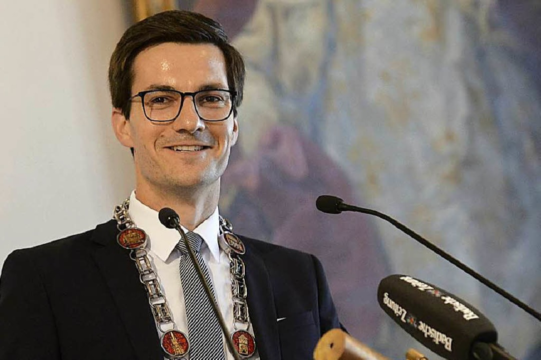 Der jüngste Oberbürgermeister einen de...: Martin Horn bei seiner Antrittsrede.  | Foto: Ingo Schneider