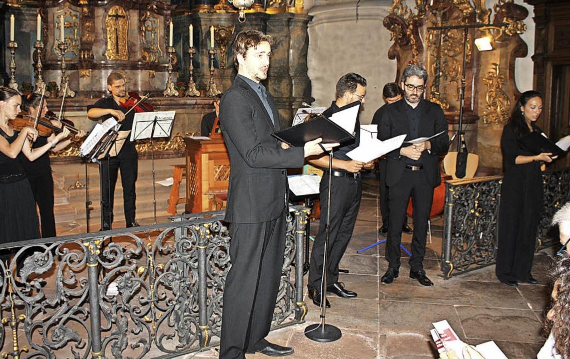 Das Ensemble –  Karsten Müller (... den Zuhörern gemeinsam einen Choral.   | Foto: Hildegard Karig