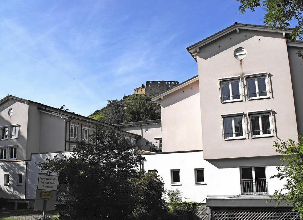 Pflege im Schatten der Burg: das sanierte Altenpflegeheim St. Margarethen  | Foto: Susanne Müller