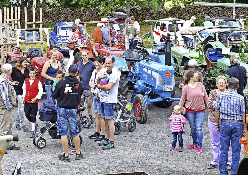 <BZ-FotoAnlauf>Sommerfest in Ehrsberg:...g in Ehrsberg immer Zeit zum Plaudern.    Foto: k.-h.Rümmele