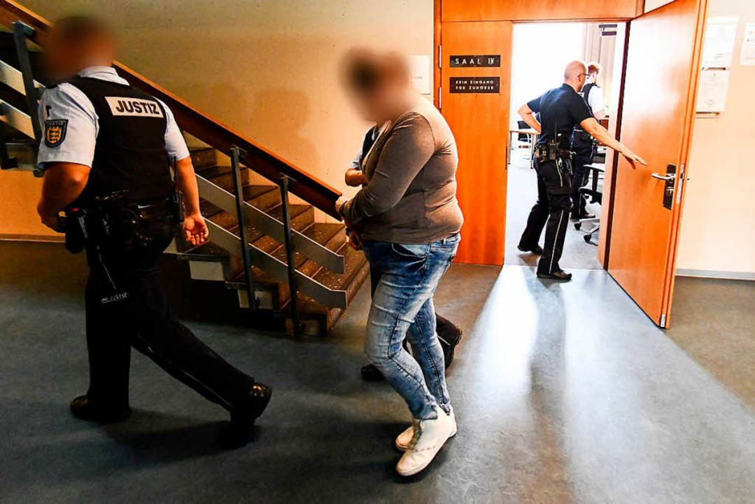 Berrin T., Mutter des missbrauchten Jungen, beteiligte sich aktiv an den Taten.  | Foto: dpa