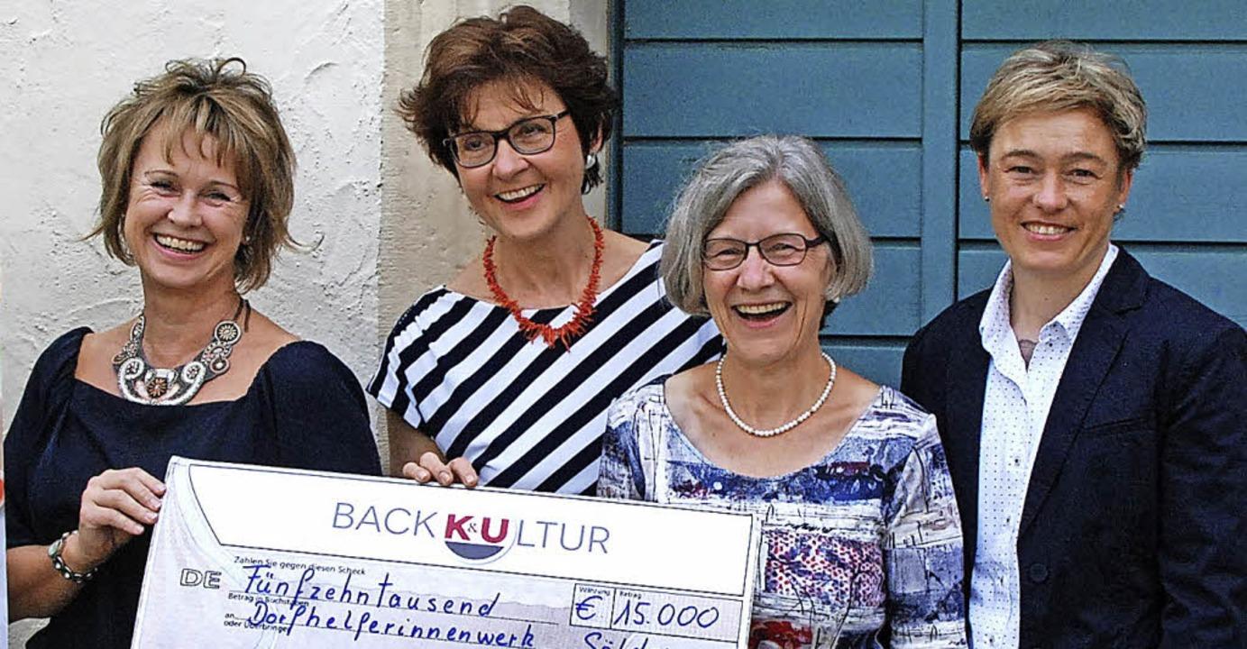 Corinna Krefft-Ebner (K&U), Brigit...Sölden), Franziska Läufer (von links)   | Foto: Louis Gross