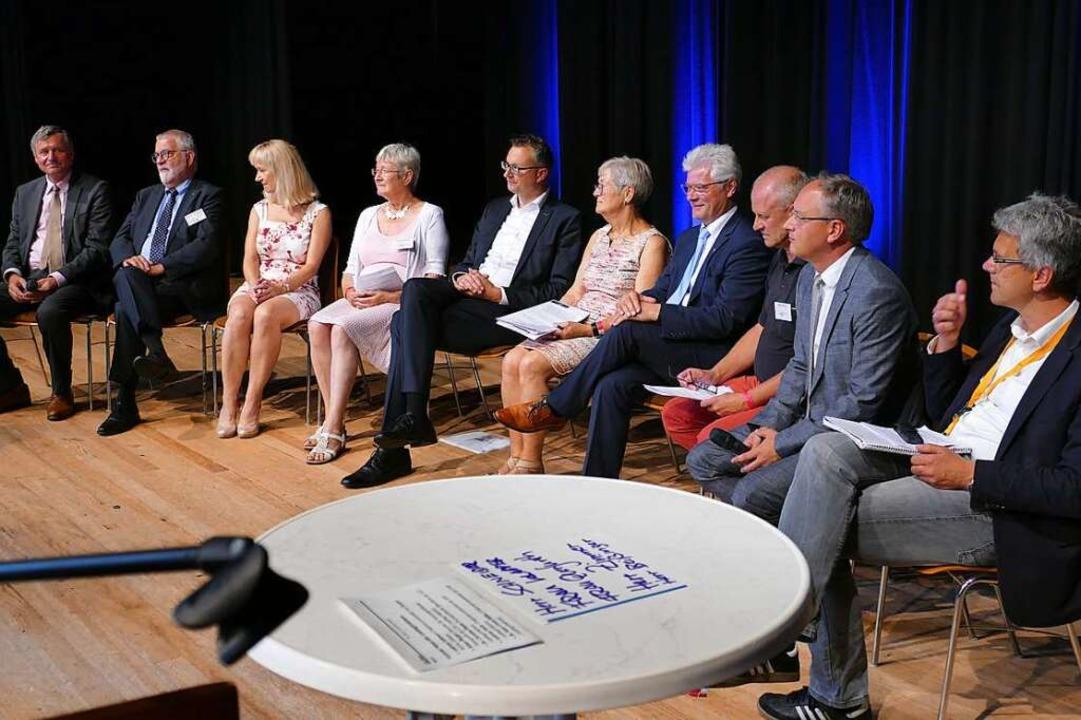 Podiumsdiskussion mit Fraktionsvertret...ern des Kreisseniorenrates Emmendingen  | Foto: Sylvia Sredniawa