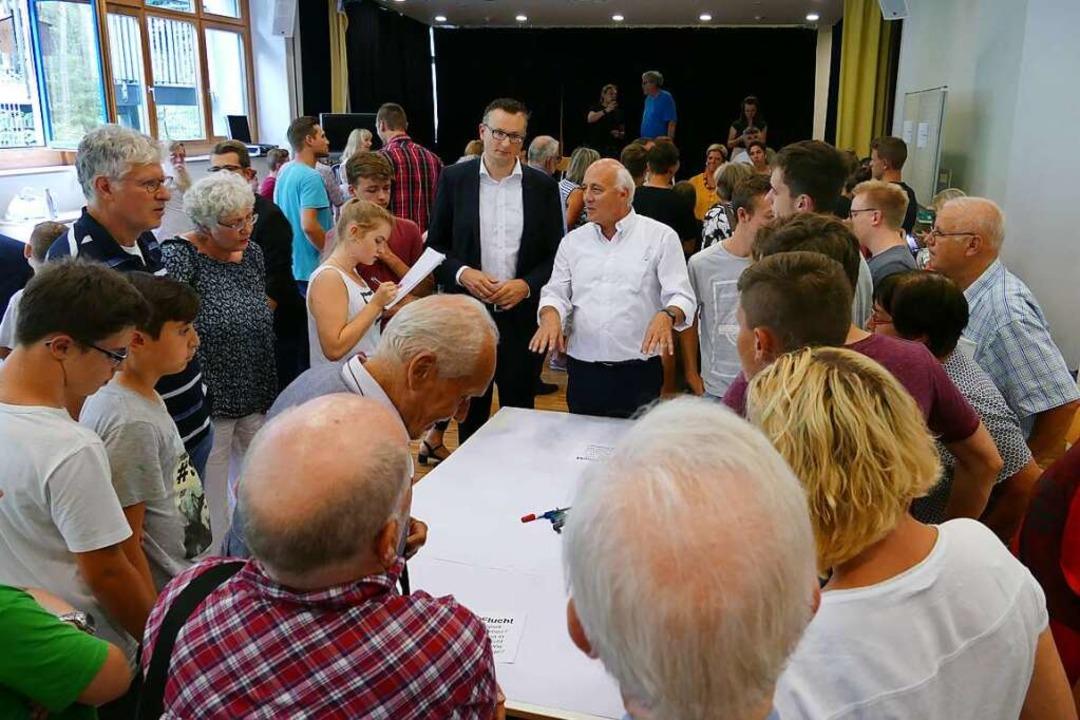Landesseniorentag in Waldkirch: Gespräch mit Schülern  | Foto: Sylvia Sredniawa