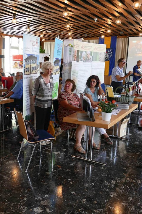 Ausstellung zu Seniorenthemen im obere...irchlichen Sozialstation St. Elisabeth  | Foto: Sylvia Sredniawa